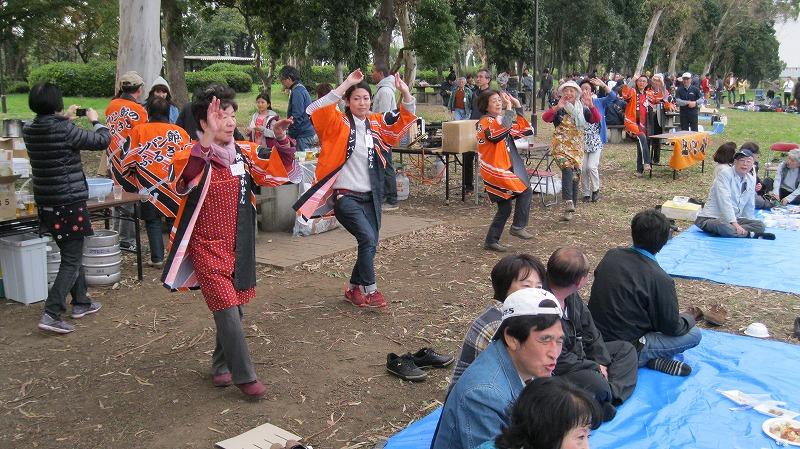最後は恒例の「ドンパン踊り」で締めました。