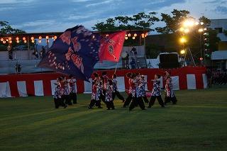 ヤートセ桜秀心舞による華麗な踊りです。